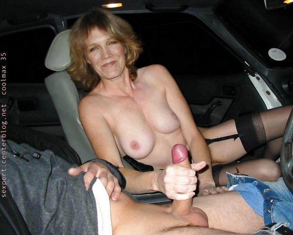 Une bonne branlette en voiture